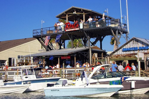 Red's Boats Bar