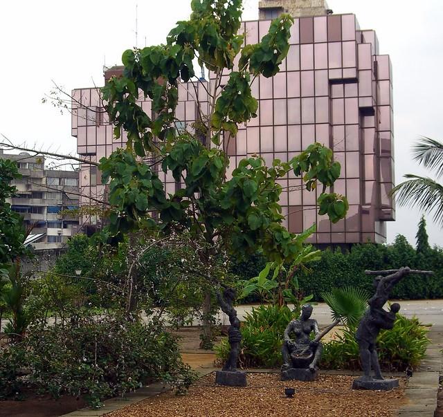 Un trio à Abidjan