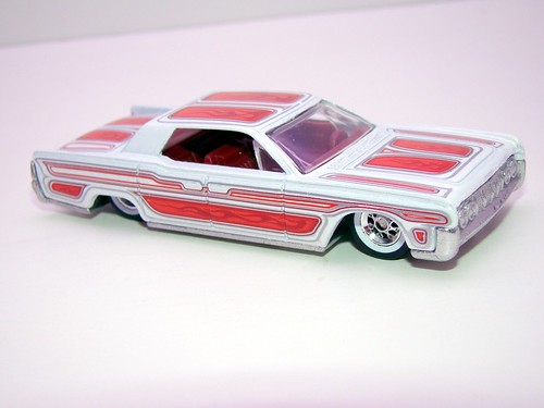 hot wheels waynes garage '64 lincoln continental (8)