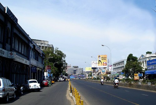 this is a picture of mount road,but then somethings not right