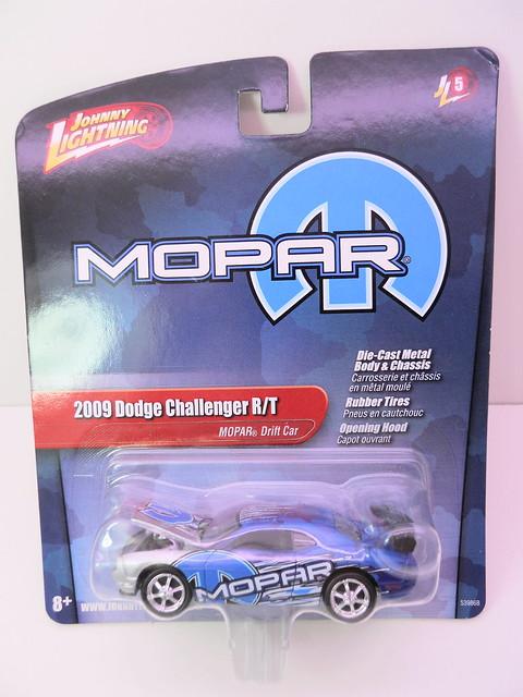 johnny lightning mopar 2009 dodge challenger rt drift (1)