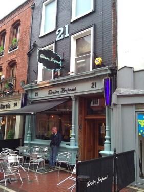 "Davy Byrnes - ""Moral pub."""