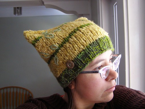 golden delicious hat - side