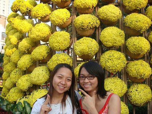 Giang & Thanh & thung hoa vang