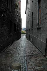 Narrow Lane way