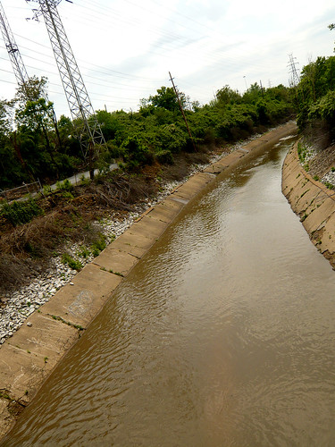 A hard-to-find stretch of the River by Interstate 44. Thanks go to nick findley on Flickr.