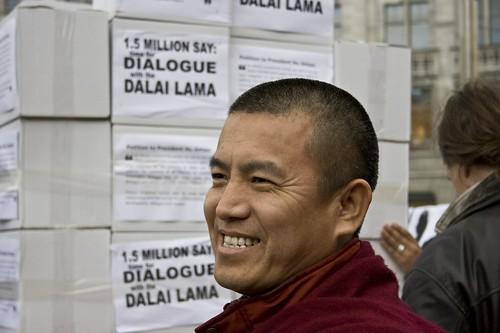 http://www.avaaz.org/en/tibet_report_back/5.php?cl=69872680
