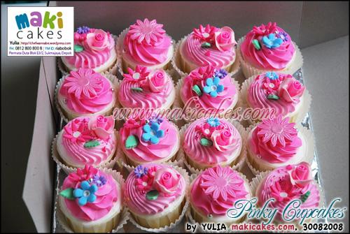Pinky Cupcakes ver 2 - Maki Cakes