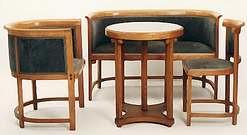 Josef Hoffmann.  Juego de sillones y mesa. 1905.