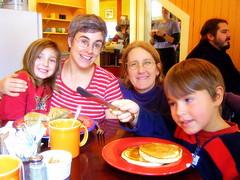 Kelli  Ann & Family (from Canada) at Elmer's (c) Hilltown Families