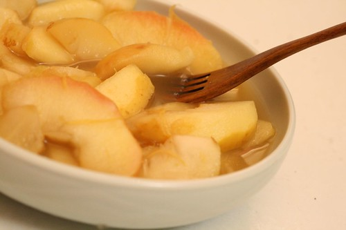Behold, apples poached with green tea and grapefruit