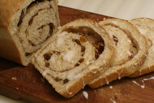 Cinnamon Raisin Bread looks soo good.