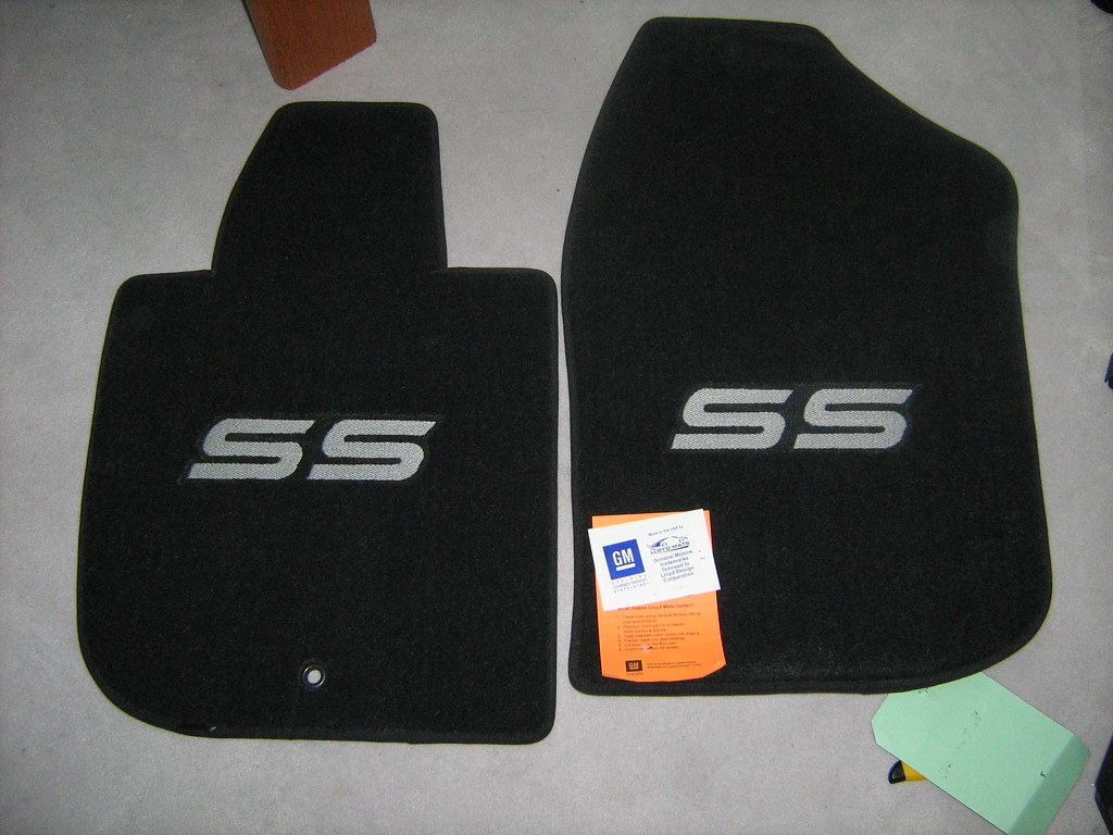 Cobalt SS logo floor mats in stock Licensed by GM PHOTOS