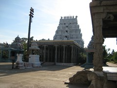 Inner Gopuram and the  Dwajasthambam