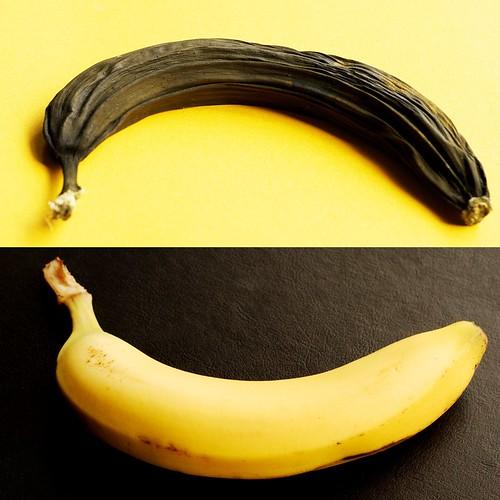 Happy banana, sad banana by Pragmagraphr