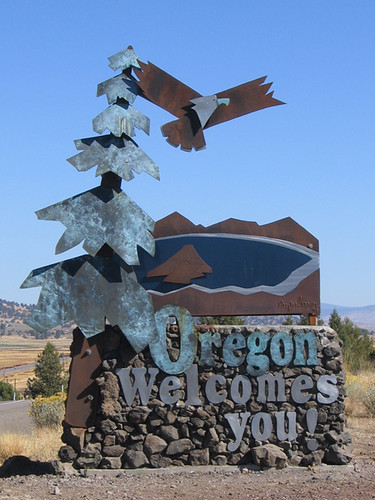 Day 03 - Oregon Welcome Sign
