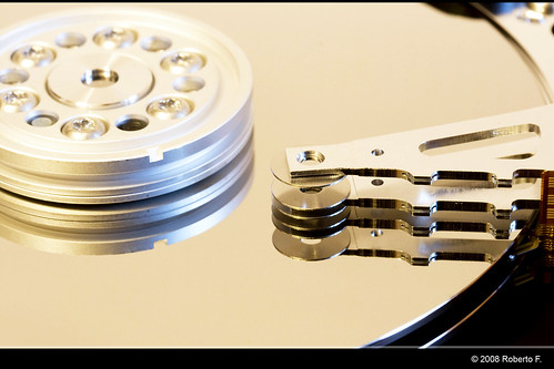 Hard disk dissection by Roberto F., on Flickr