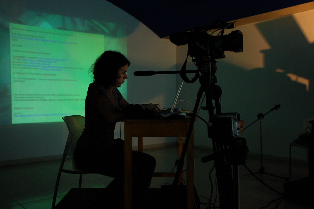 AETHER jam session workshop. festival de la imagen, Manizales. foto carlos orozco