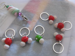 Acid pH stitch markers