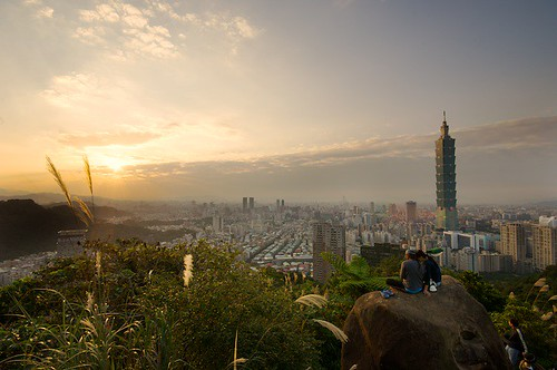 Elephant Mountain (象山) is a serene place to relax and blow off the stress of the city below.
