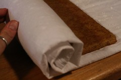 Roll warm cake up in the towel