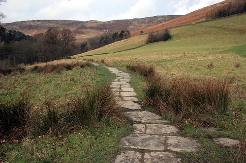 A Walk in Edale, Peak District by curreyuk.