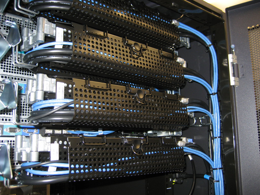 hight resolution of neat wiring server