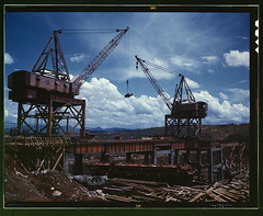 Construction work at the TVA's Douglas Dam, Te...
