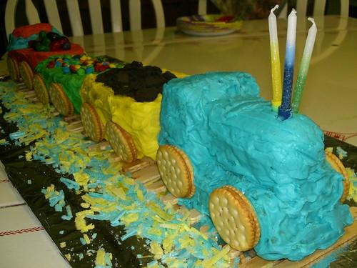 triain cake