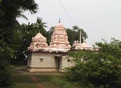 Side view as you enter the temple