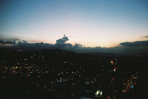 Cae la tarde en Caracas