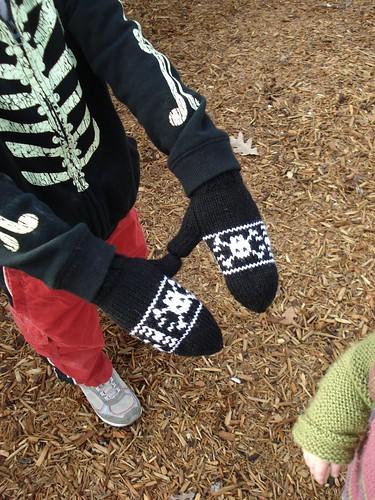 pirate mittens