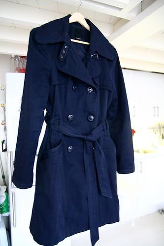 af2e8993 Trenchcoat U: Mørkeblå trench fra vero moda, str XL. Selges i butikk i dag  for 400 kroner. Min pris: 100 kroner. SOLGT