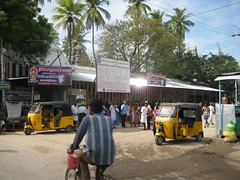 Head shaving place in the backdrop of Thiruaavinankudi Temple