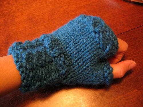 chunky fingerless mitt