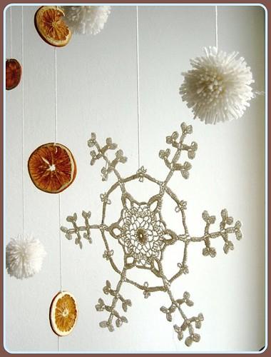 Wintery Snowflake Mobile {diy}