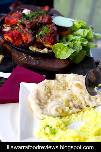 Tandoori Junction, Shellharbour: Garlic Naan