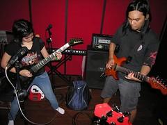 Prisa dan Tepi di studio