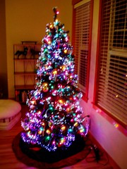 Pre-lit artificial tree: normal + fiber optic