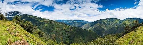 Links der Vulkan Tungurahua