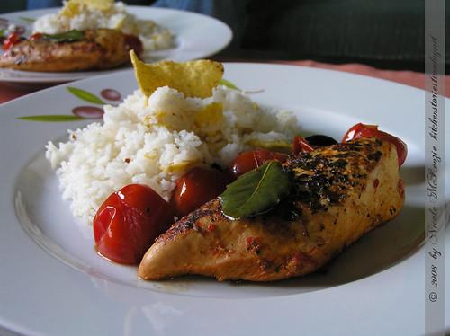 Mediterrane Hühnerbrust mit Tortilla-Reis