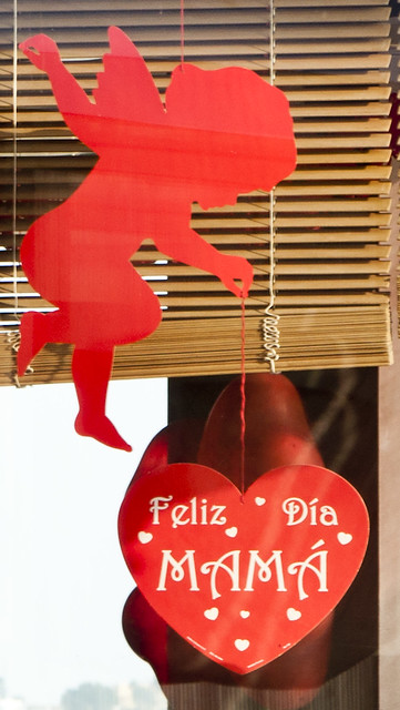 Apparently Cupid is involved in Mother's Day in Peru.