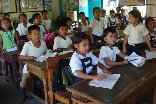 Philippines Pinoy Filipino Pilipino Buhay Life people pictures photos life city, children elementary school no uniform education sitting learning room
