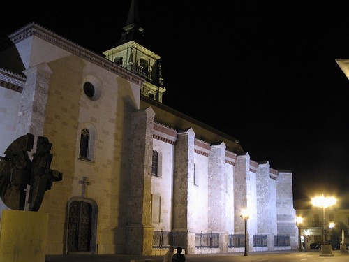 Plaza de los Santos niños