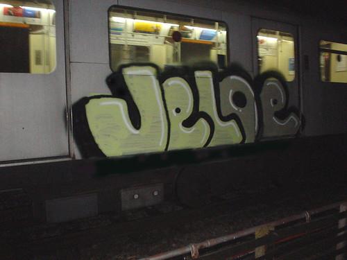 Jeloe. London Tube, 2005