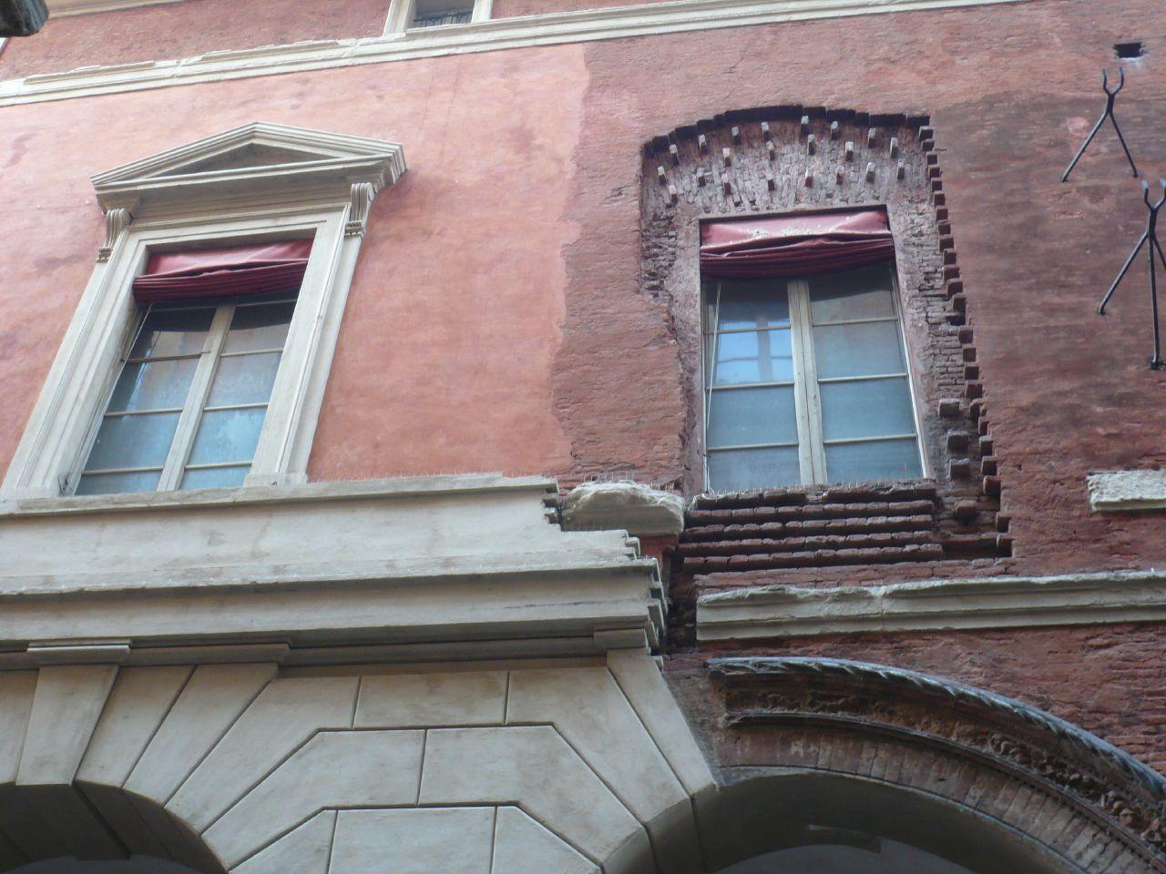 Un mismo edificio, dos estilos...