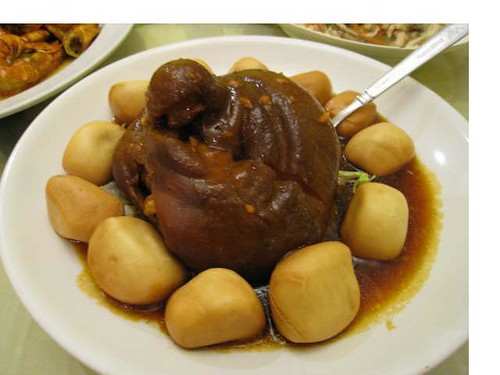 Braised pork with man tao 2