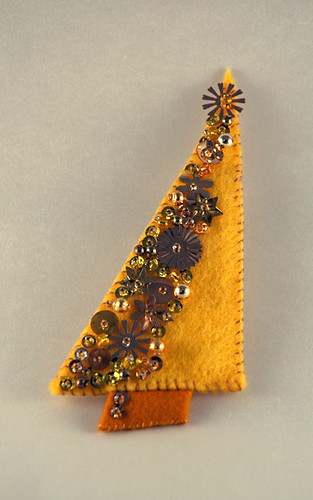 Sequin and Bead-Encrusted Christmas Tree Pin
