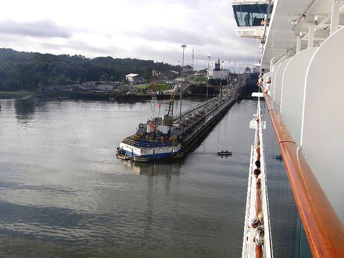 Nov 18 Entering Gatun Locks