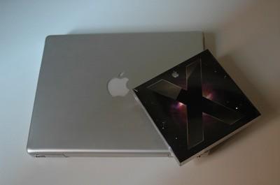 Caja de Leopard con el PowerBook